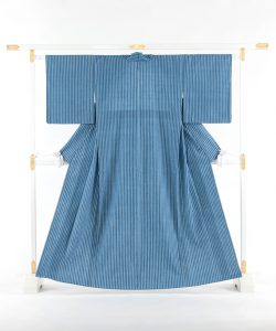 本場結城紬 藍染単衣着物のメイン画像