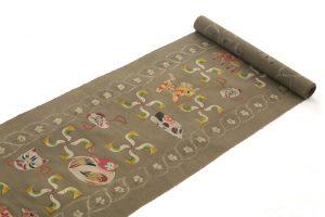 鈴木紀絵作 型絵染紬地九寸名古屋帯「縄目絞りに玩具箱」のサブ1画像