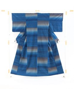 志村ふくみ作 紬着物「磐余」のメイン画像