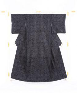 結城紬160亀甲総詰絣着物のメイン画像