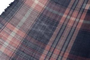 新垣幸子作 八重山手縞上布「紺地赤格子に絣」着尺のサブ3画像
