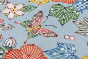 岡本隆志作 りんず型絵染帯地「芙蓉とサクラと蝶文」のサブ4画像