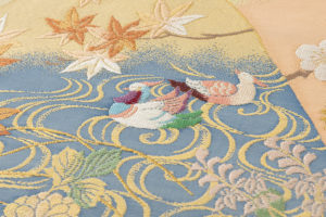 川島織物製 本金箔本極錦 袋帯「新春秋小袖山水」のサブ2画像